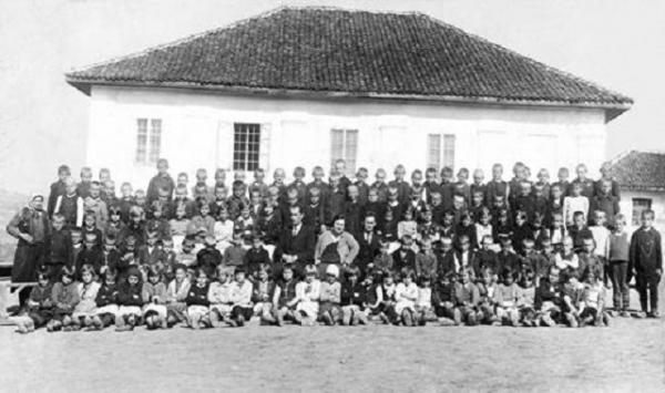 Zapis učitelja: Boljkovci – između škole, crkve, česme i kafane…