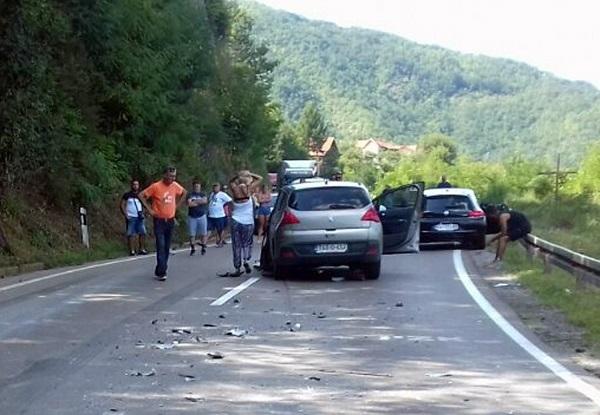 Zbog dve nezgode u prekidu saobraćaj u Međuvršju