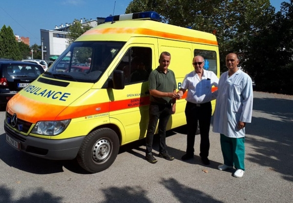 Milanovčani i Srbi iz Amerike i Kanade donirali sanitetsko vozilo bolnici