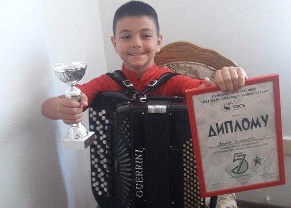 Uspeh mladog milanovačkog harmonikaša