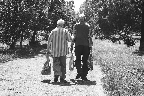 Fond PIO: Novčana pomoć i građanima koji čekaju rešenje o penziji