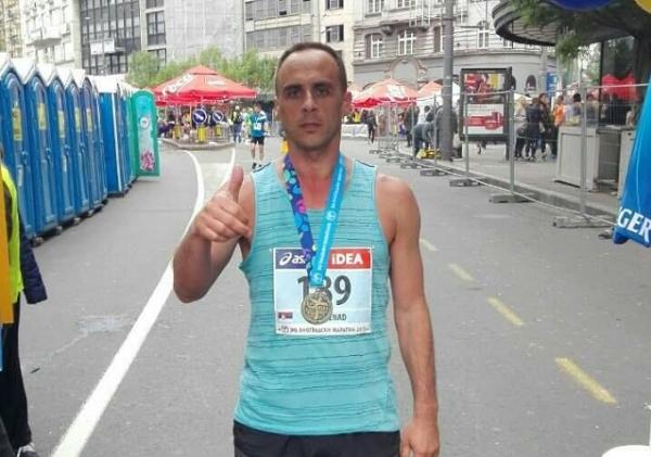 Milanovčanin Nenad Milić istrčao 42 km na Beogradskom maratonu