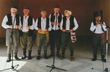 Sedmorica penzionera osnovali izvornu pevačku grupu, koja se brzo pročula