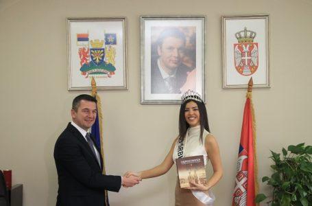 Predsednik Kovačević ugostio Mis Srbije Andrijanu Savić