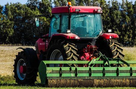 Poljoprivrednicima subvencije za kupovinu domaćih traktora
