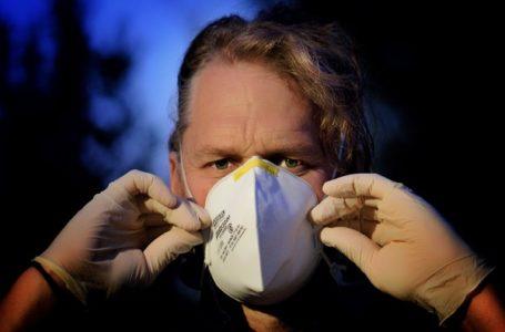 Krizni štab: Šta god da sutra bude, moraćemo da držimo distancu i nosimo maske