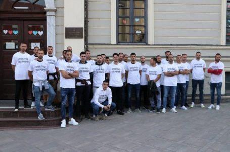 Bivši fudbaleri Borca počeli štrajk glađu