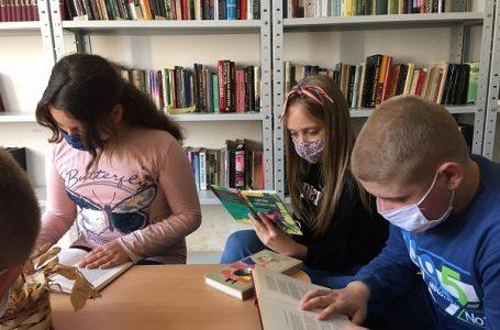 """Fondacija """"Dositej 1925″ donirala biblioteku školi u Vraćevšnici"""