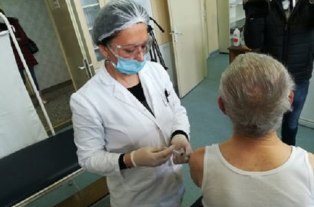 Treću dozu vakcine protiv covid-19 primilo preko 700 Milanovčana