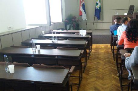 Prekinuta, pa nastavljena sednica Skupštine opštine zbog oštrih verbalnih sukoba