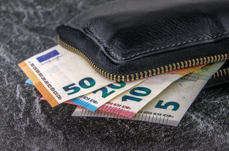 Koliko novca građani dobijaju od države do kraja godine?