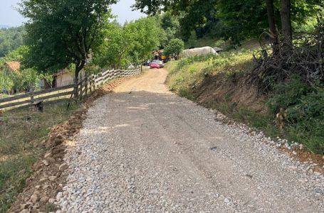 U toku radovi na lokalnom putu u Bogdanici koji povezuje četiri opštine